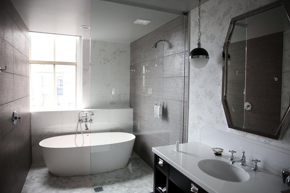 Kimpton-Cardinal-Hotel-Bathroom-Lauren-Schwaiger-Blog.jpg