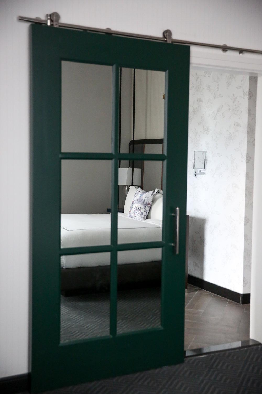Kimpton-Cardinal-Hotel-King-Suite-Lauren-Schwaiger-Blog.jpg