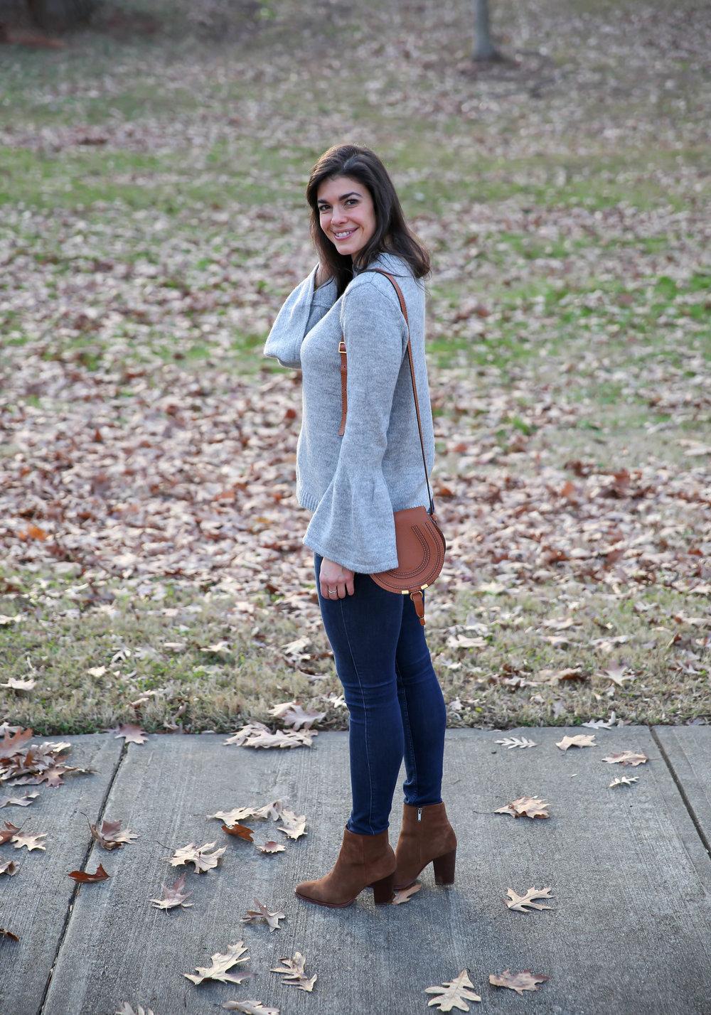 skinny-blue-jeans-grey-sweater-winter-ootd-lauren-schwaiger-blog.jpg
