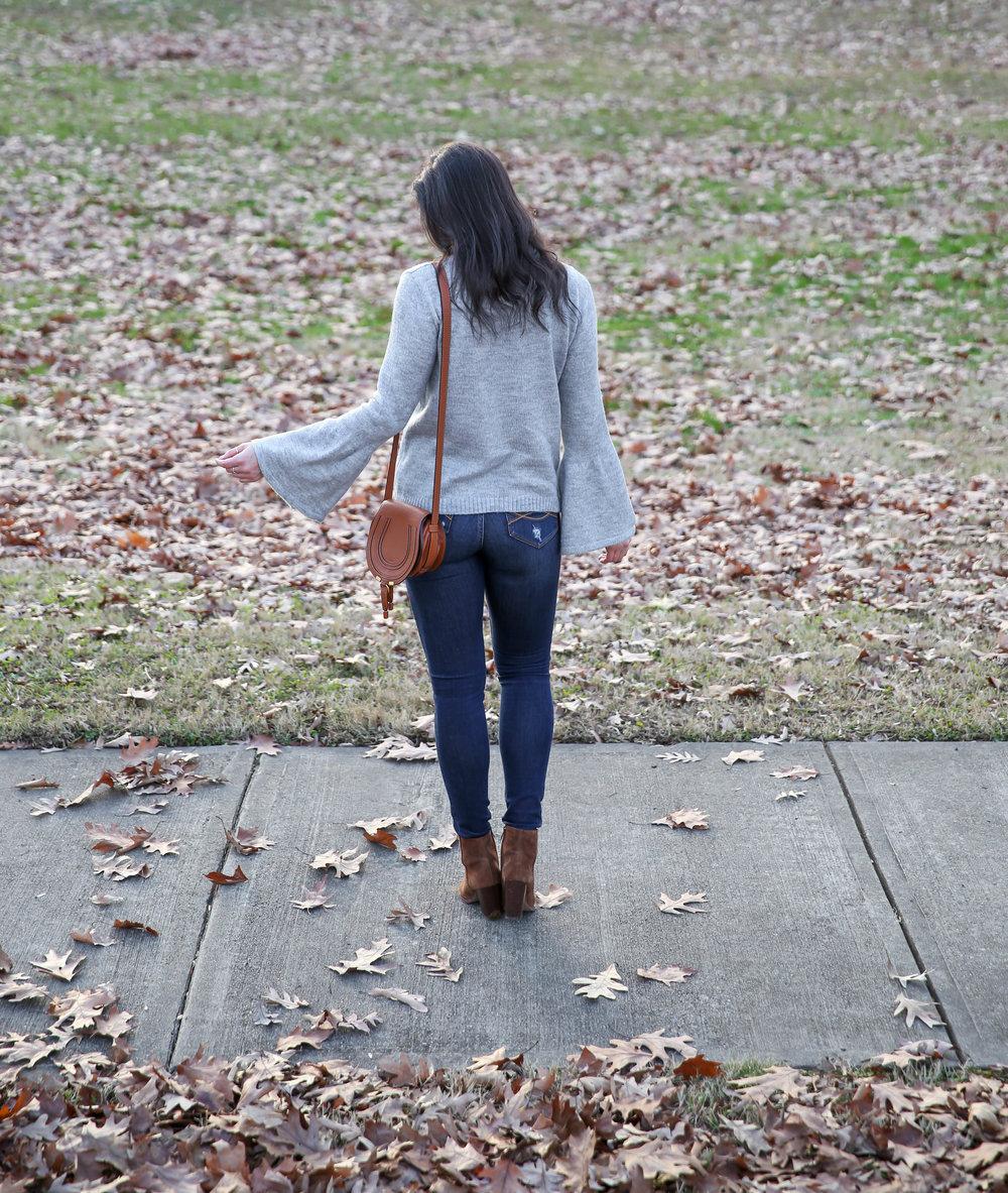 lauren-schwaiger-style-blog-winter-style-grey-bell-sleeve-sweater.jpg