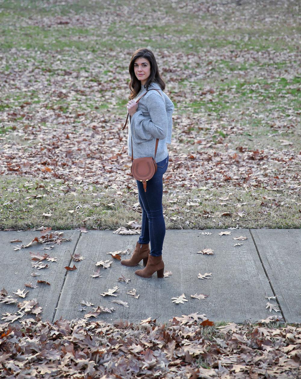 casual-chic-sweater-skinny-jeans-booties-lauren-schwaiger.jpg