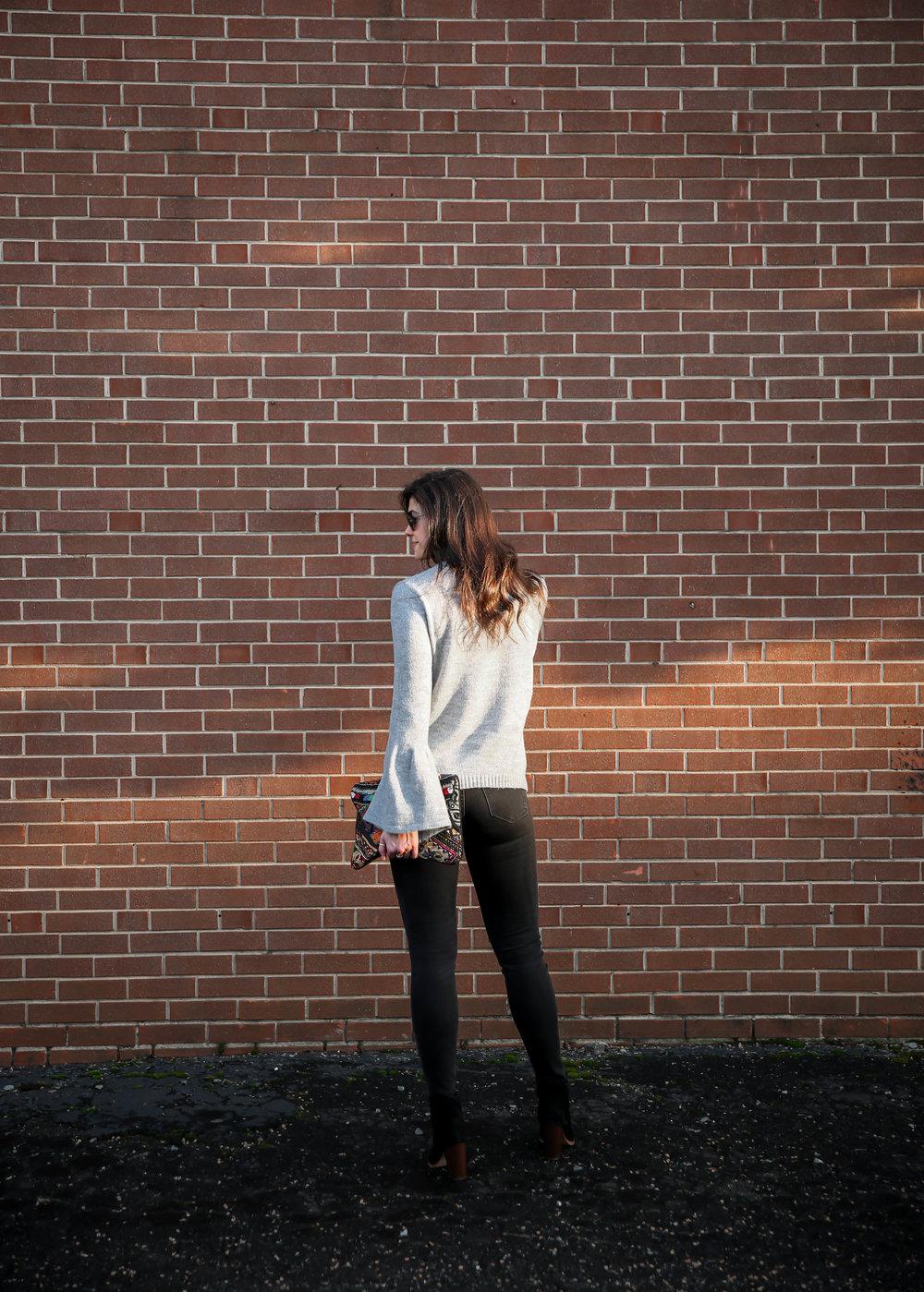 black-skinny-jeans-grey-sweater-lauren-schwaiger-style-blog.jpg