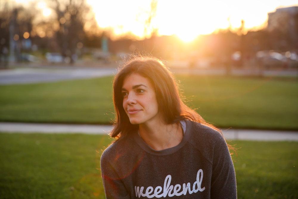 weekend-sweatshirt-lauren-schwaiger-style-blog.jpg