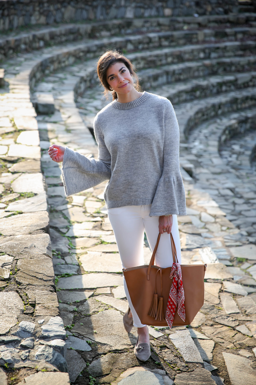 Lauren-Schwaiger-OOTD-Chic-White-Denim-Grey-Sweater.jpg
