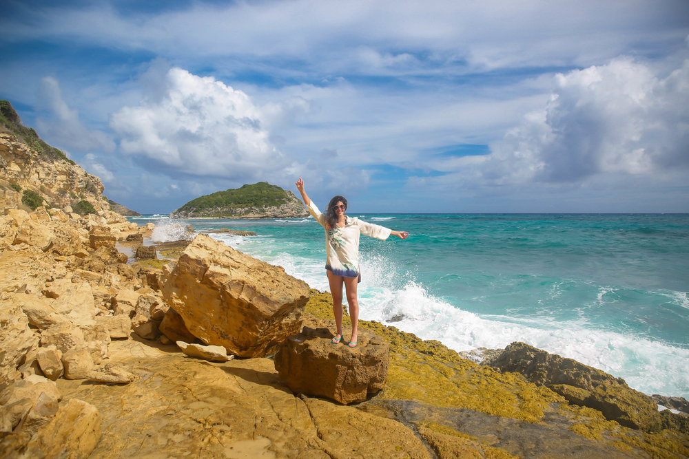 half-moon-bay-antigua-lauren-schwaiger-travel-blogger.jpg