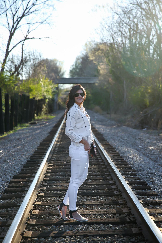 white-skinny-jeans-grid-print-tie-top-lauren-schwaiger-ootd.jpg
