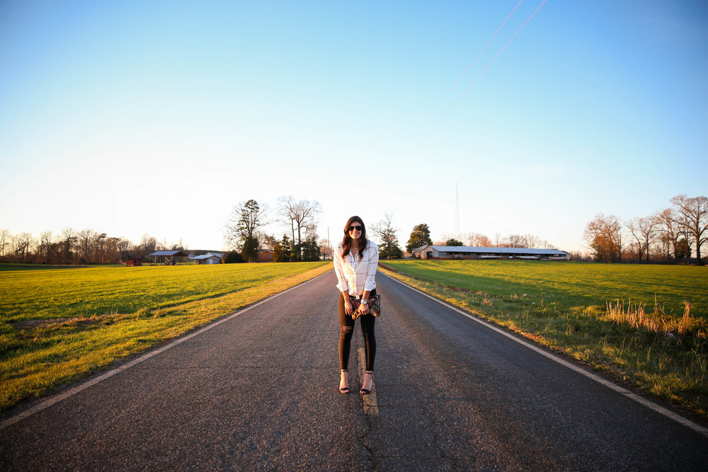 country-roads-golden-hour-photography-lauren-schwaiger-style-blog.jpg