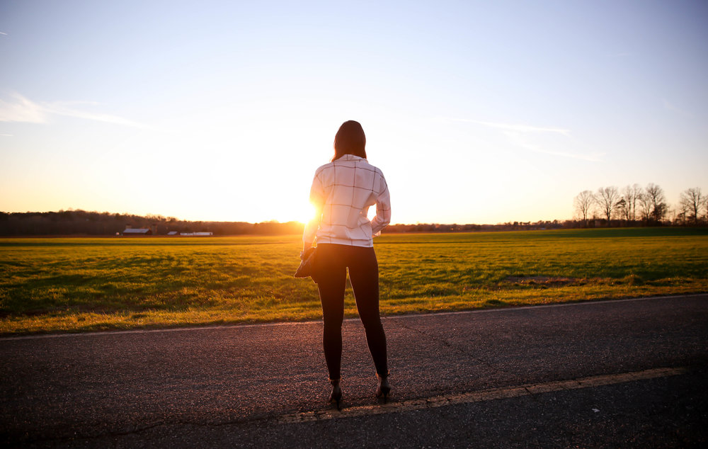 country-roads-golden-hour-photography-lauren-schwaiger-lifestyle-blogger.jpg