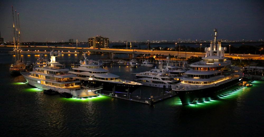 south-beach-miami-yachts-lauren-schwaiger-travel-blog.jpg