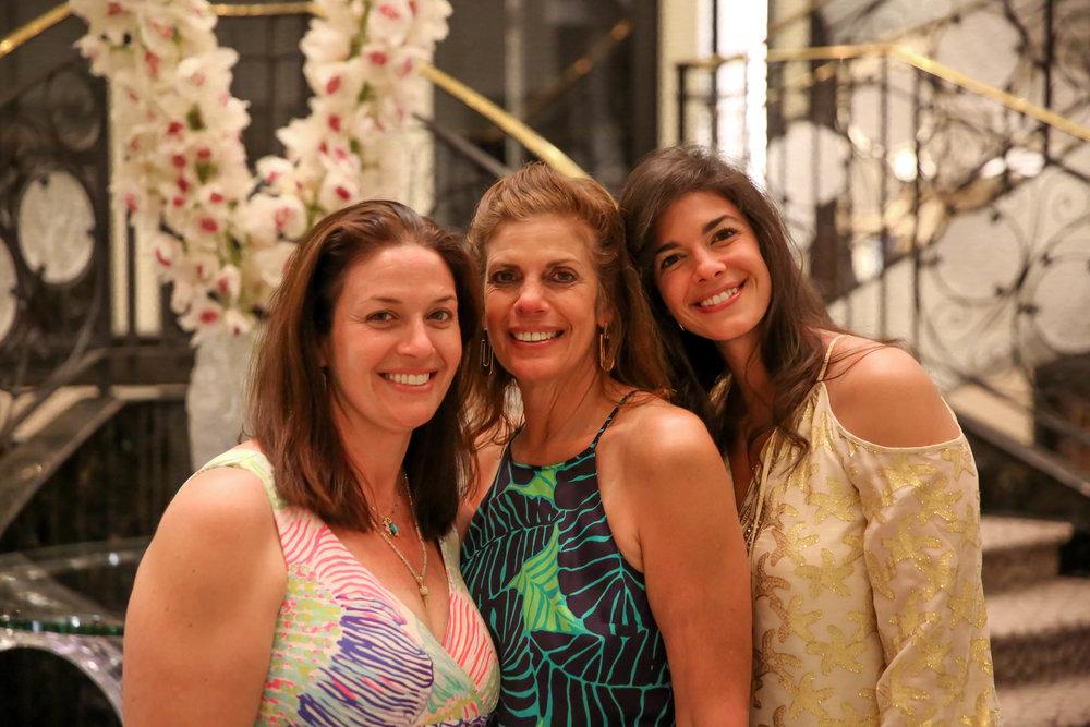 mother-daughters-lauren-schwaiger-stlye-blog.jpg
