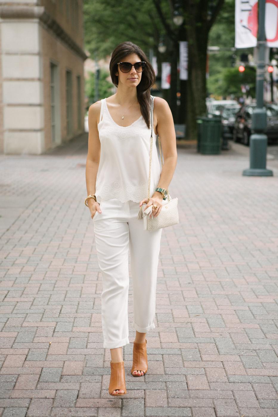 lauren-schwaiger-street-style-chic-white-one-white.jpg