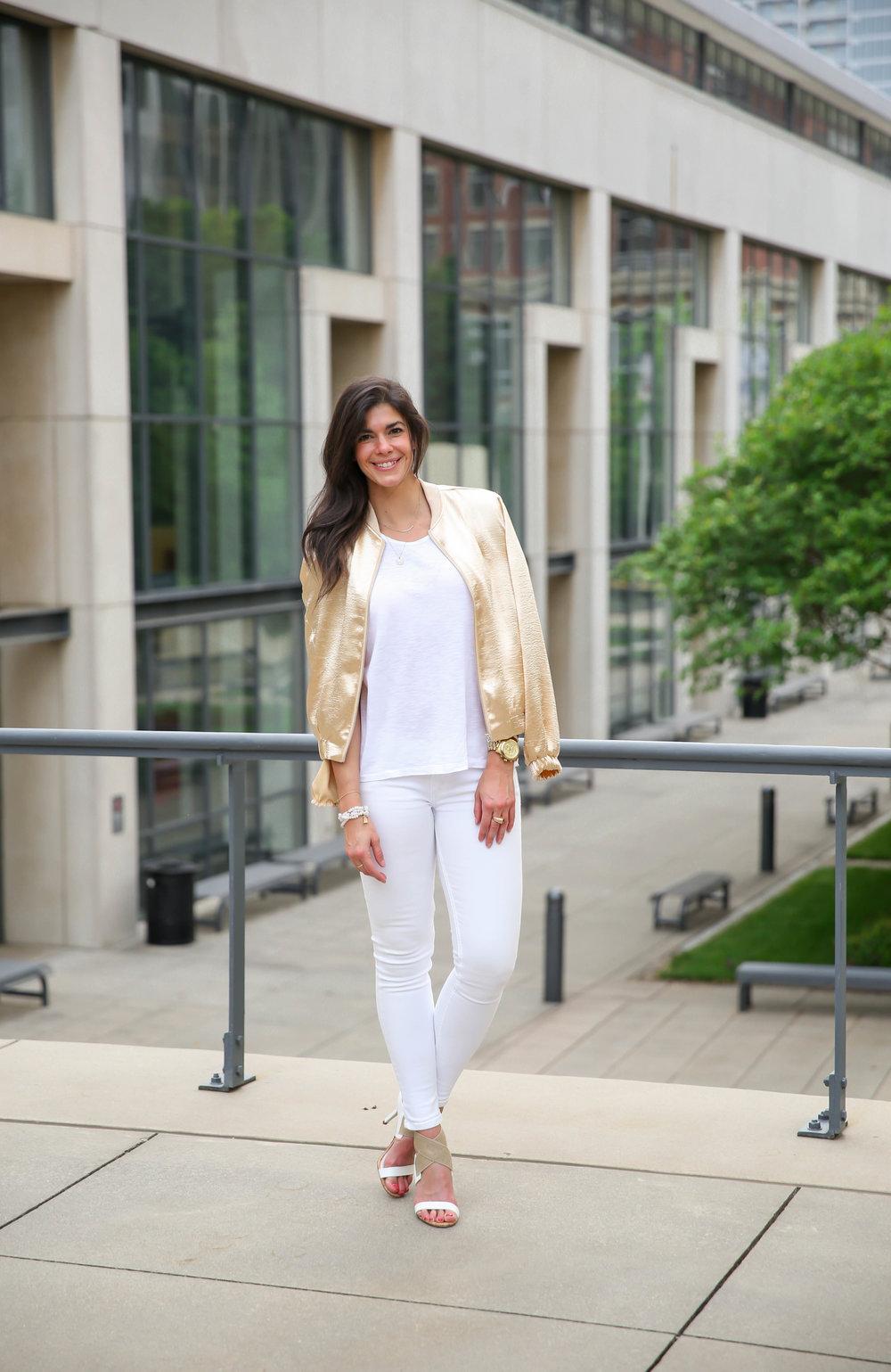 white-gold-summer-ootd-lauren-schwaiger-style-blogger.jpg