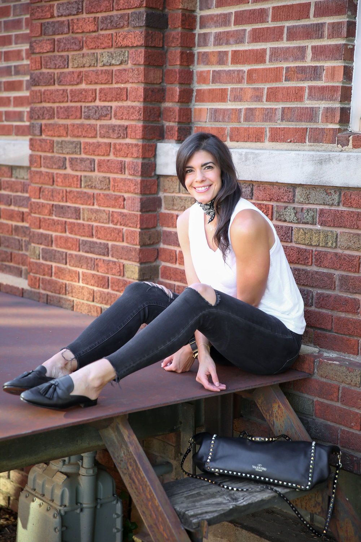 ootd-black-skinny-jeans-white-tank-black-slip-on-mules.jpg