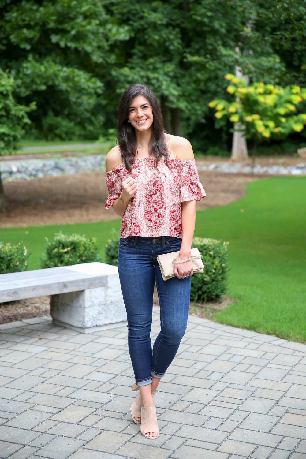 dark-skinny-jeans-silk-paisley-off-the-shoulder-top-lauren-schwaiger-style-inspo.jpg