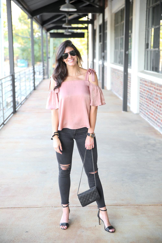 blush-cold-shoulder-blouse-ripped-black-skinny-jeans.jpg