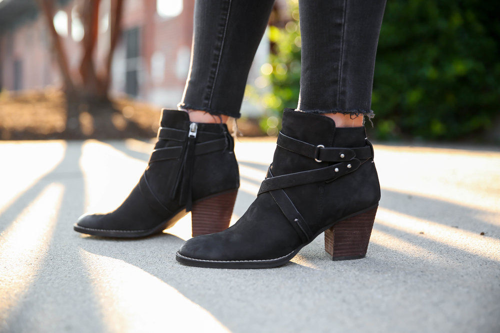 sam-edelman-black-booties-fall-style-lauren-schwaiger-blog.jpg