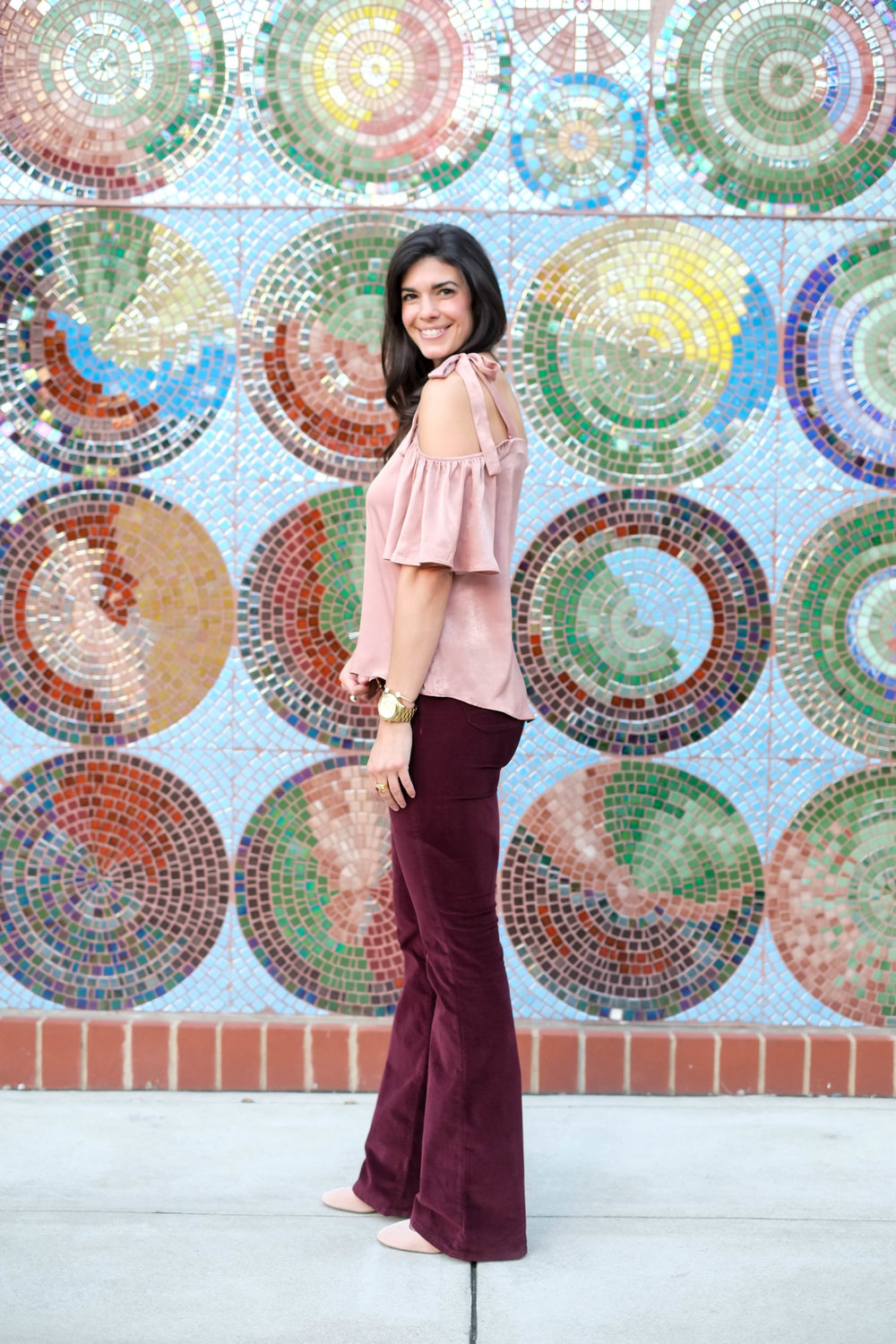velvet-burgandy-flared-pants-fall-fashion-lauren-schwaiger.jpg