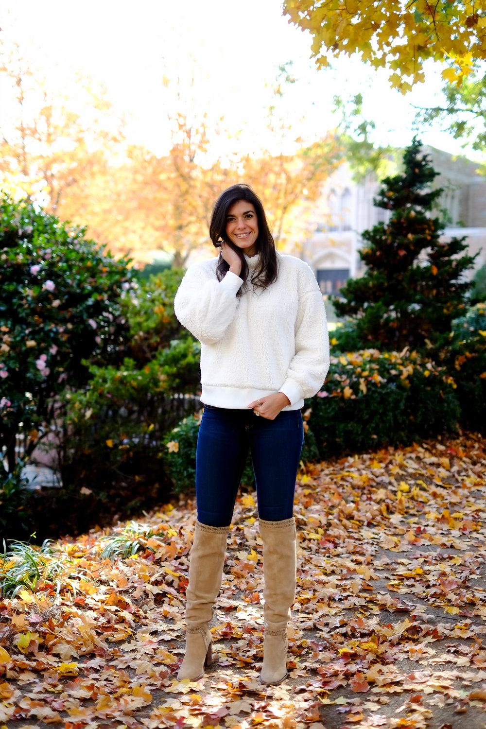 cozy-chic-outfit-inspiration-lauren-schwaiger-charlotte-style-blogger.jpg
