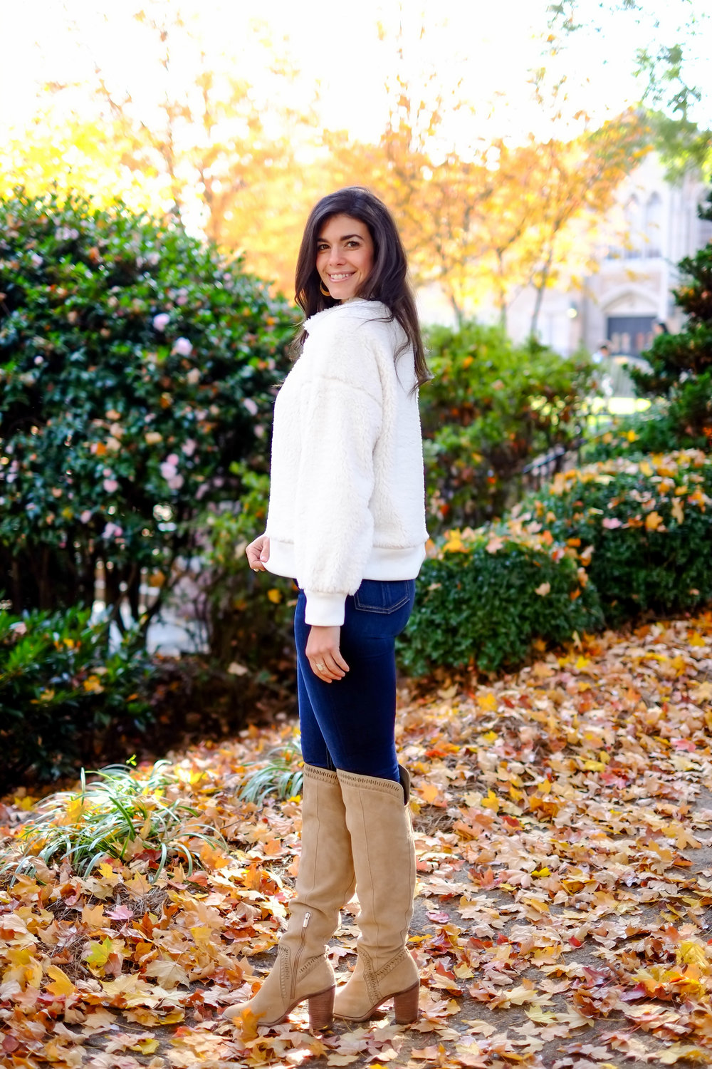 snuggly-sweater-jeans-otk-boots-thanksgiving-weekend-outfit-inspiration-Lauren-schwaiger.jpg