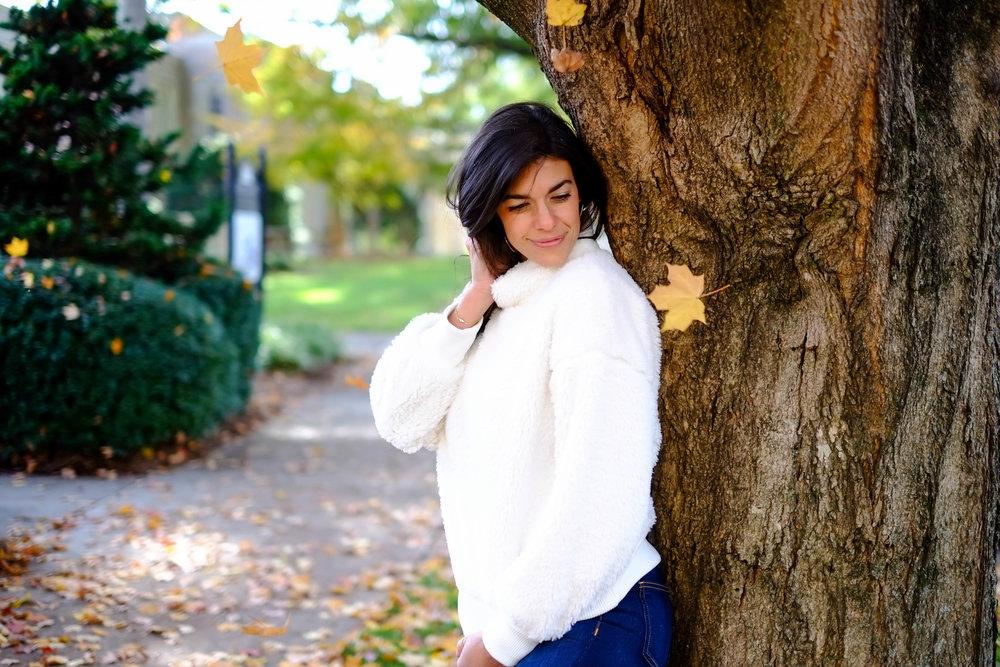gap-sherpa-sweater-winter-white-lauren-schwaiger-style-blog.jpg