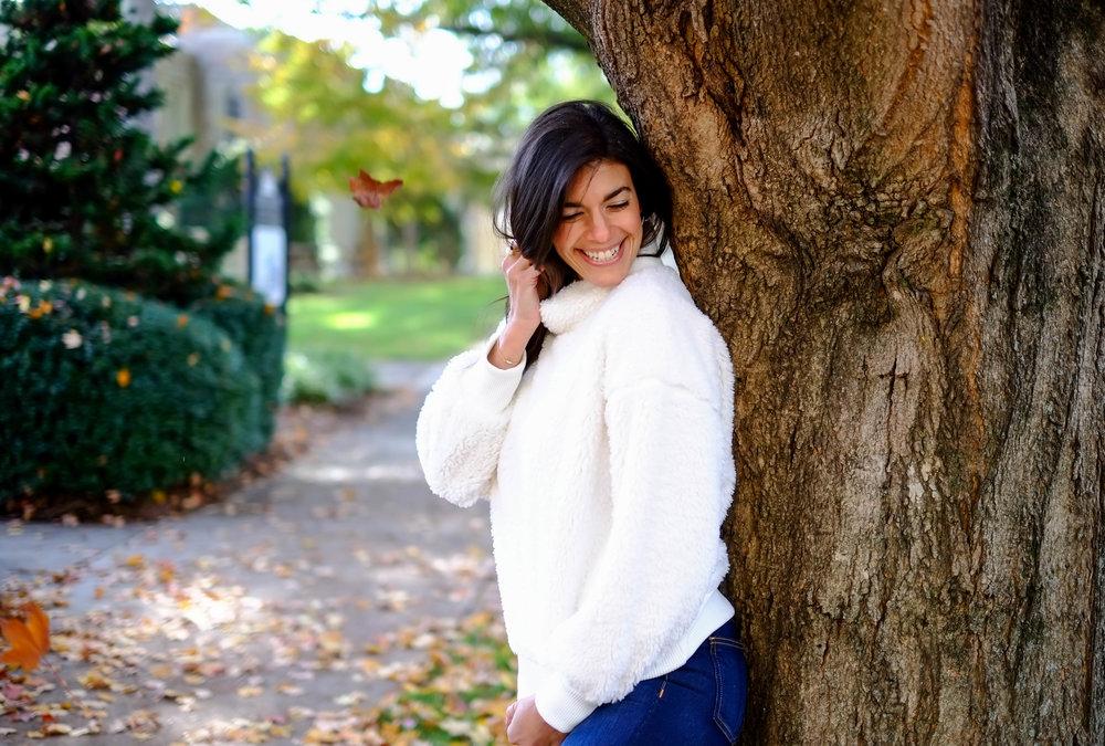 Lauren-schwaiger-snuggly-sweater-winter-style.jpg