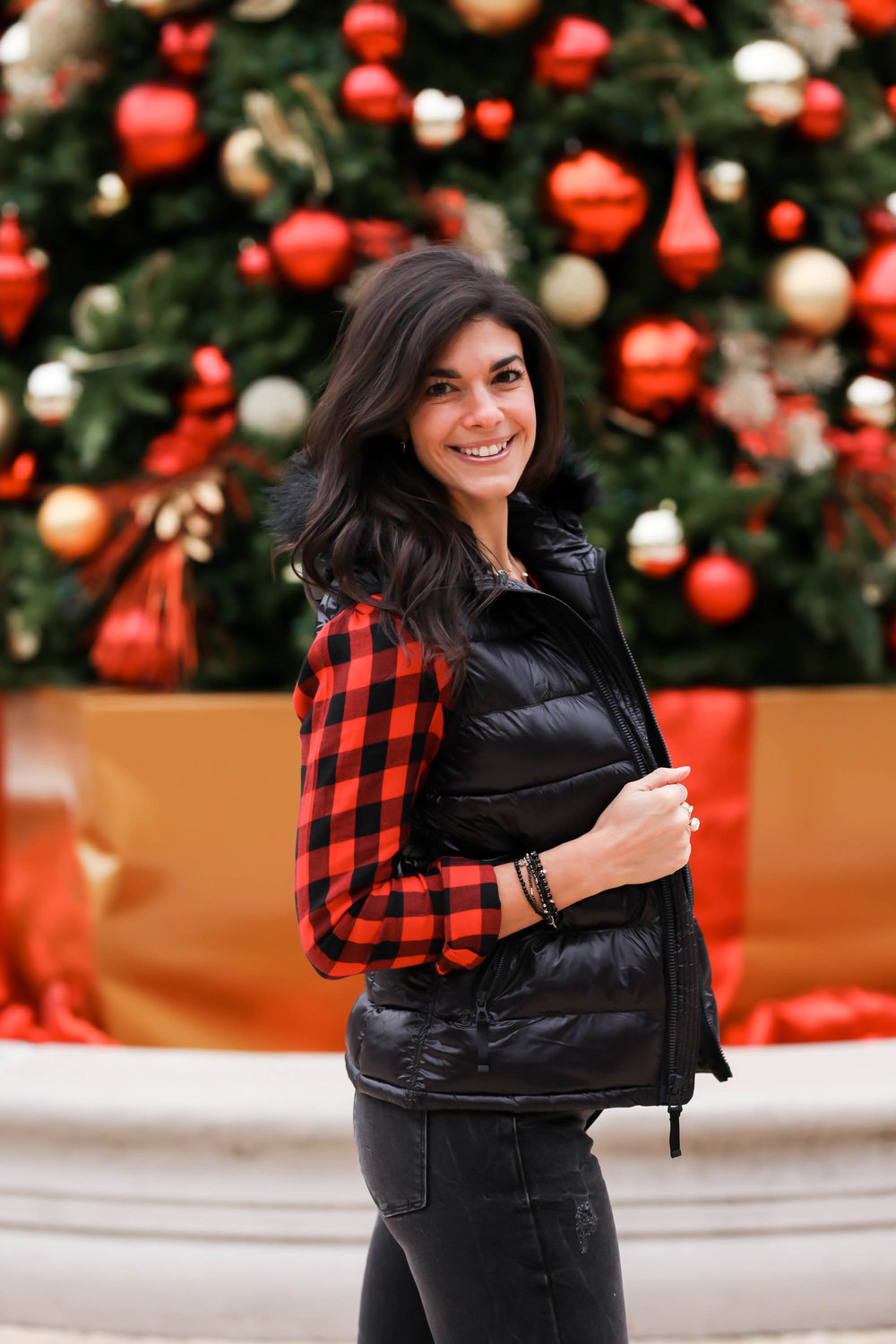 buffalo-plaid-button-down-puffer-vest-winter-style-lauren-schwaiger-style-blogger.jpg