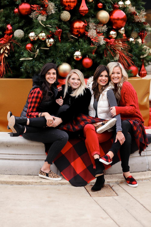 chic-cozy-holiday-style-inspiration-lauren-schwaiger-style-blog.jpg