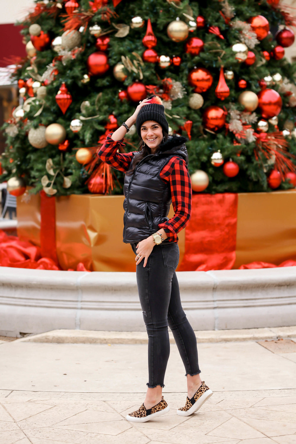GAP-casual-chic-holiday-outfit-lauren-schwaiger-style-blog.jpg
