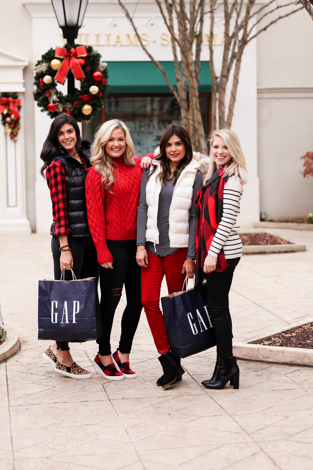 GAP-Holiday-Style-2017-Lauren-Schwaiger-Fashion-Blog.jpg