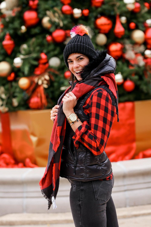 Red-Black-Plaid-GAP-Style-Lauren-Schwaiger-Blogger.jpg
