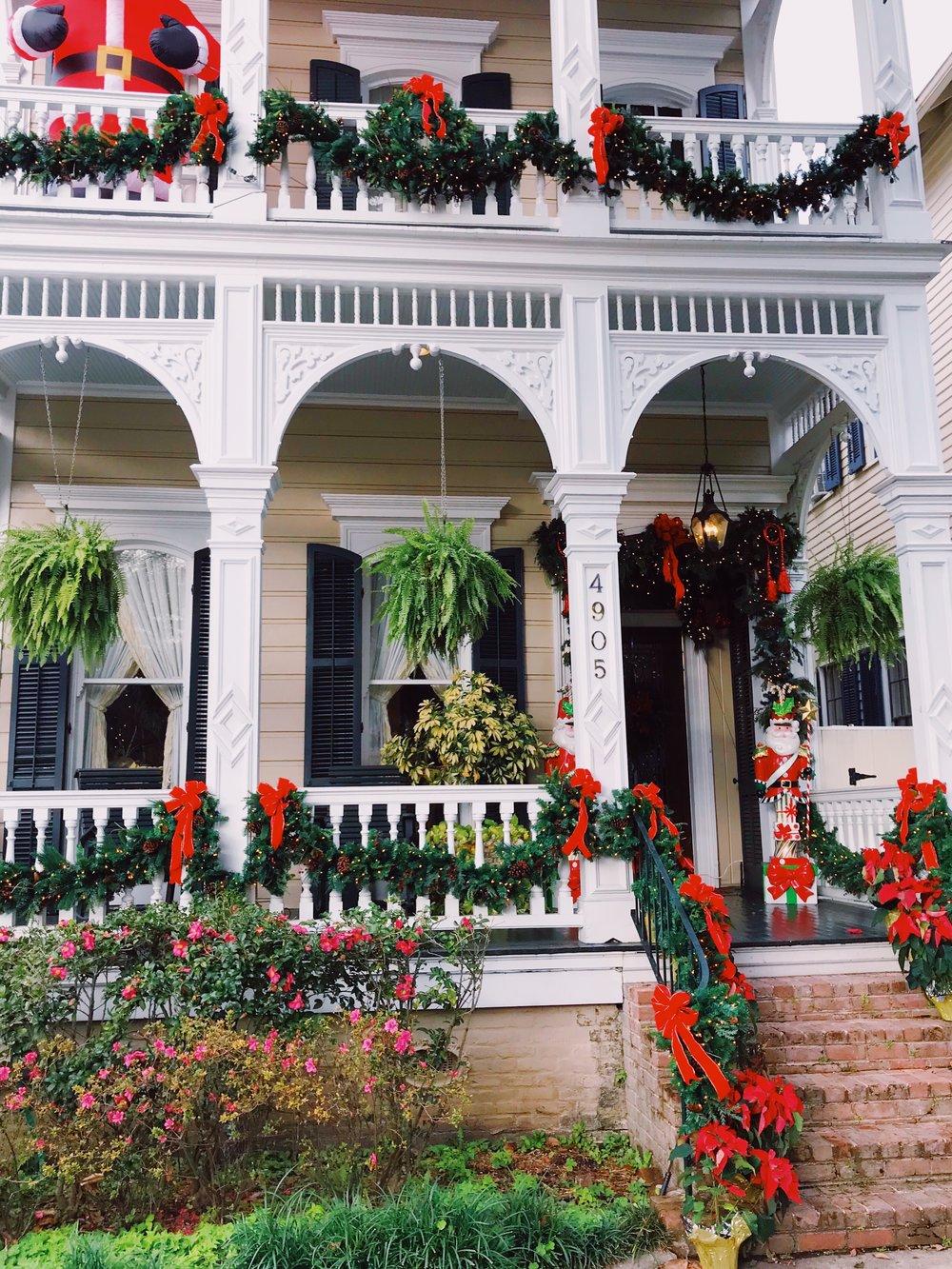 new-orleans-christmas-decoration-lauren-schwaiger-travel-blog.jpg