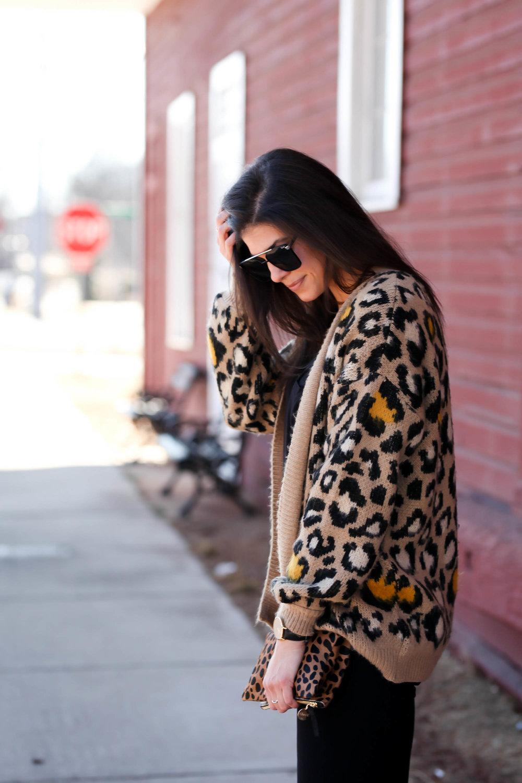 cozy-chic-leopard-print-cardigan-ootd-lauren-schwaiger.jpg