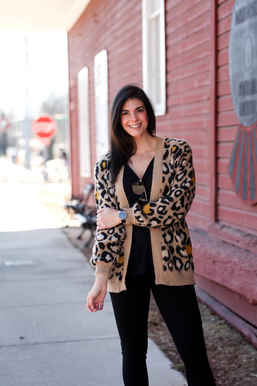 casual-chic-leopard-print-cardigan-lauren-schwaiger-style-blogger.jpg