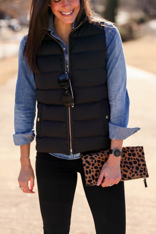 black-puffer-vest-clarev-leopard-clutch-lauren-schwaiger-style-blogger.jpg