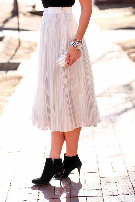 silver-skirt-swarovski-crystal-clutch-lauren-schwaiger-style-blog.jpg