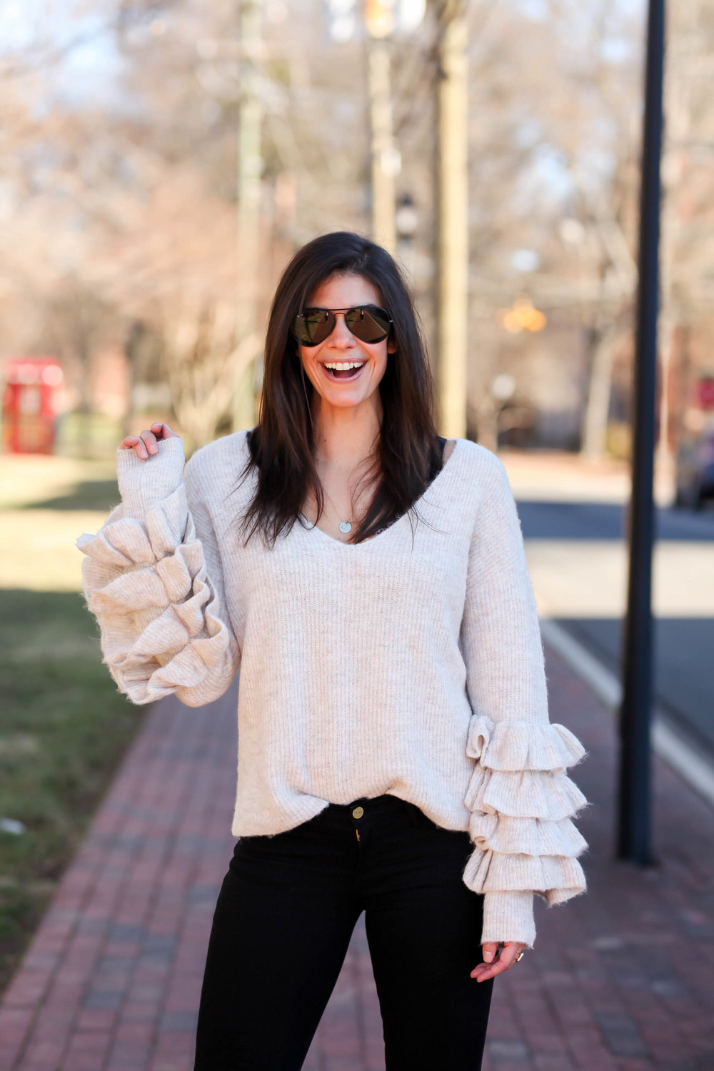 Lauren-schwiager-style-blog-ruffle-sleeve-sweater.jpg