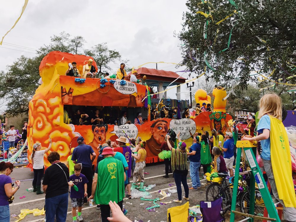 mardi-gras-new-orleans-lauren-schwaiger-travel-blog.jpg