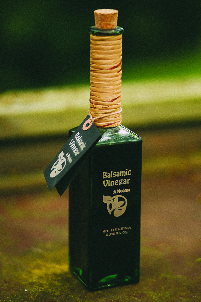 Label and Package Design | Balsamic Vinegar Bottle and Tag