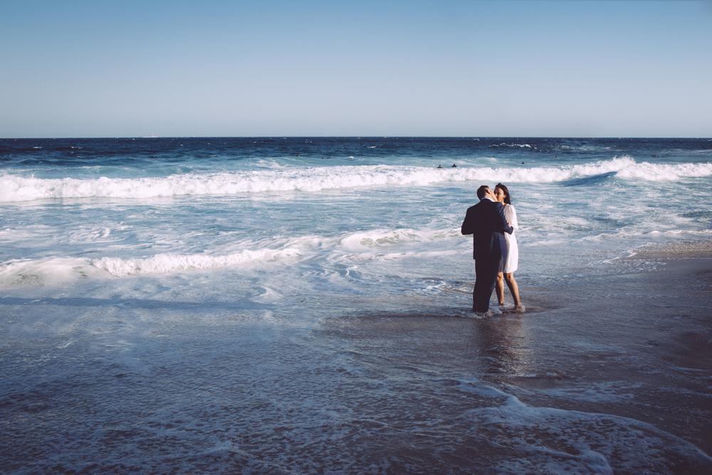 bronte_beach_engagement.16.jpeg