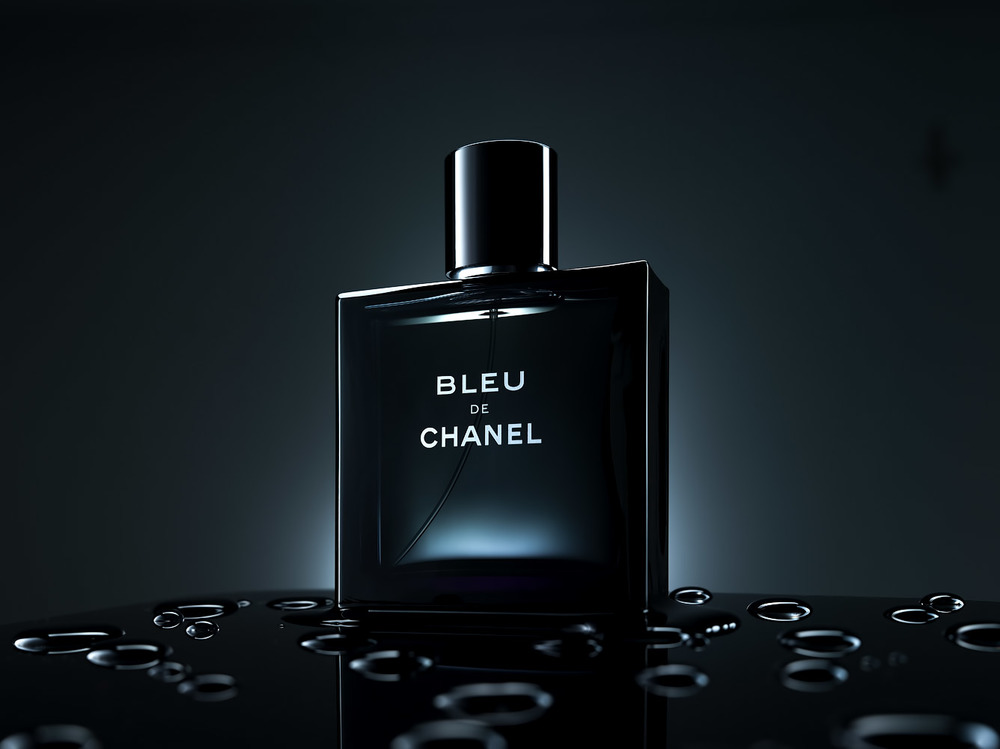 Chanel-Bleu-perfume-tabletop-photography-tutorial-by-alex-koloskov.jpg