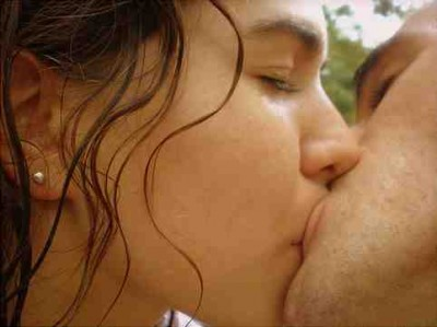 young-couple-kissing-400x299.jpg