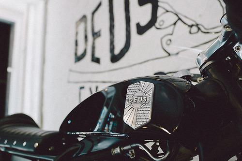 slapdashing :     unculturedmag:    Deus Ex Machina Launches Pop-Up Shop at Freemans… typophile
