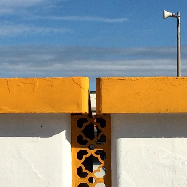 gluca :     #architettura balneare.     #yellow #orange #cervia #romagna (presso Spiaggia Di Pinarella)