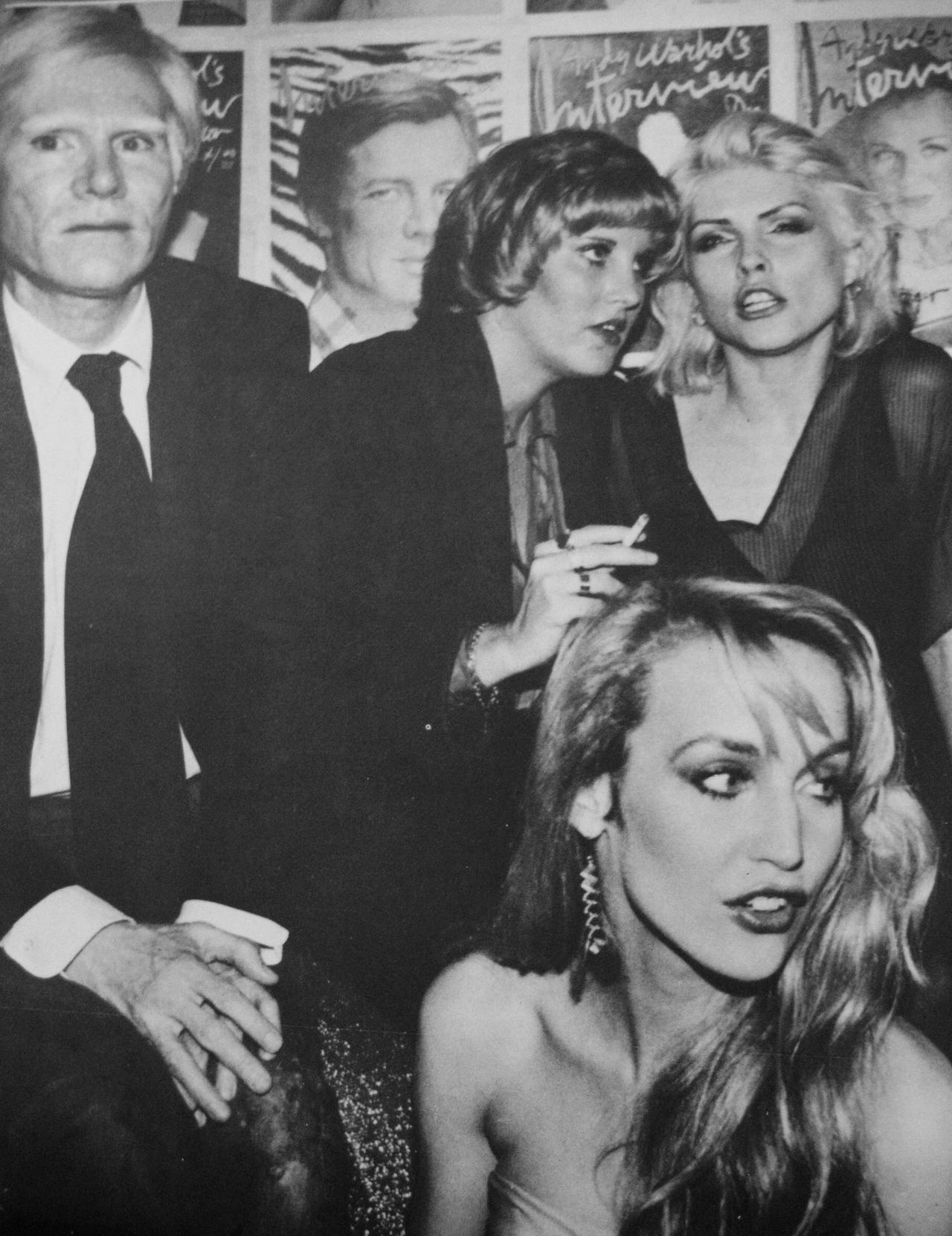 aiiaiiiyo: Andy Warhol, Deborah Harry and Jerry Hall at Studio 54. c.1970Check this blog!