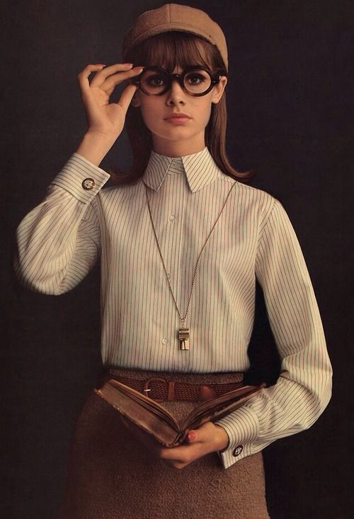 shlittlesister :     Jean Shrimpton in a 1964 advertisement for Lady Van Heusen, photograph by William Helburn      Beautiful.