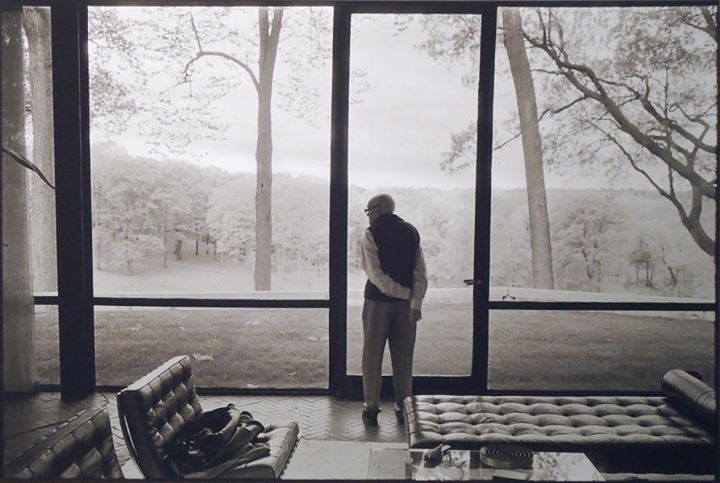 elladrondeperas :      Philip Johnson, Glass House, New Canaan, Connecticut, 2000