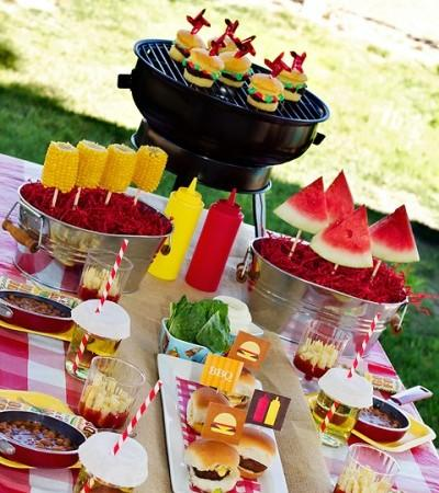 summer-bbq-party-table-all-american-party-decorations.jpg