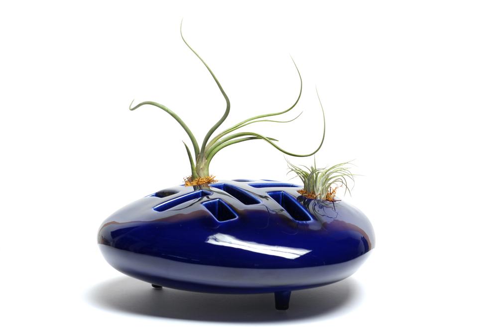 Harni-Takahashi:  Planet B  ceramic vase, 2009