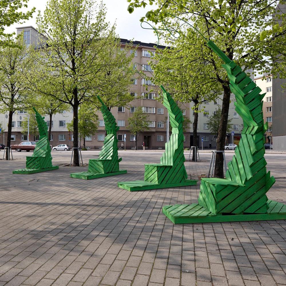 Jouni Leino,Helsinki Thrones, 2011. Recycled wood.