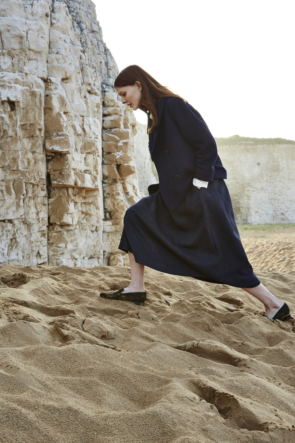 The Samuji 2017 Resort collection explored the idea of resort and the luxurious lifestyle associated with it. Väänänen proposed that a simpler life and reconnection to nature might in fact be the height of luxury in today's world. Finnish writer and artist Tove Jansson (1914-2001), with her ascetic summer cottage in the Gulf of Finland, was a role model. Photo: Aleksi Niemelä.